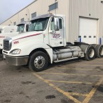 2015 Freightliner Columbia daycab_3